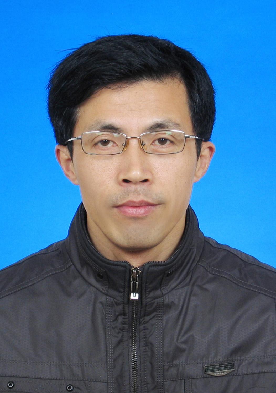 郭金伟  粮油首席专家   植保技术服务